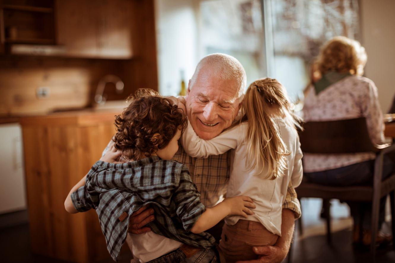 Abuelo Corriendo Dentro De 20 Ańos Porno los abuelos: legado de cariño y seguridad en la vida de los