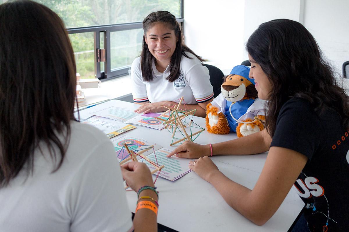7 / 28 - Los alumnos Anáhuac contagian de entusiasmo el Campus Visit