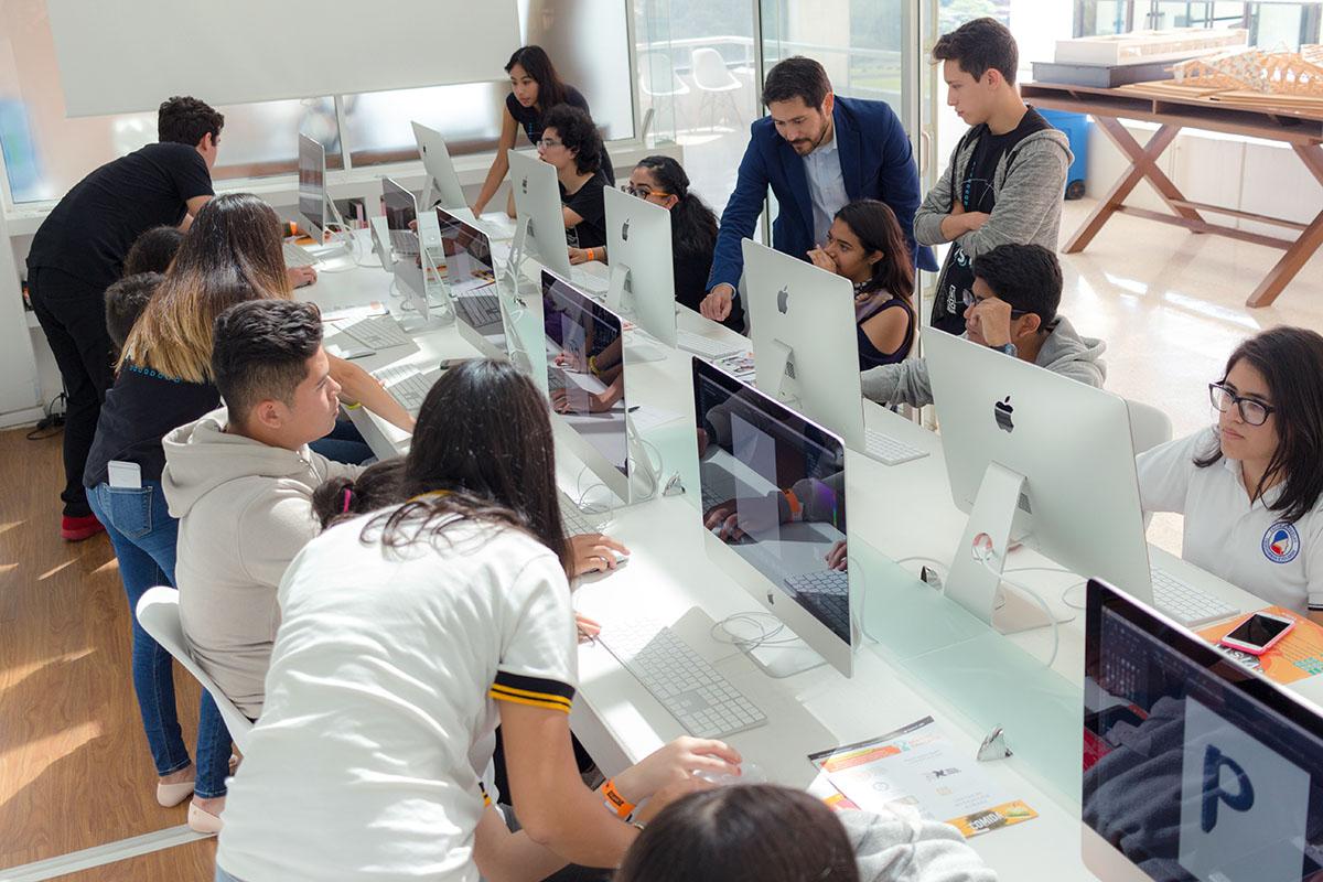 10 / 28 - Los alumnos Anáhuac contagian de entusiasmo el Campus Visit