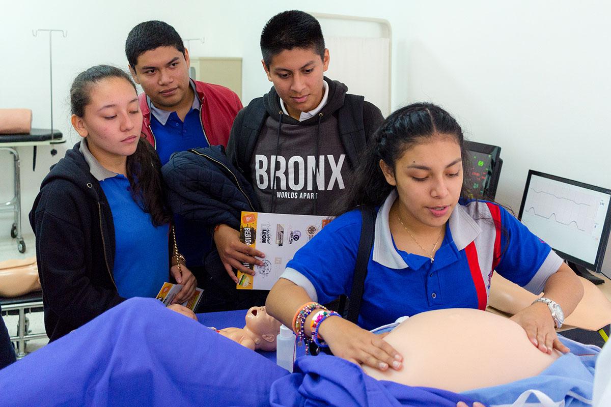 12 / 28 - Los alumnos Anáhuac contagian de entusiasmo el Campus Visit