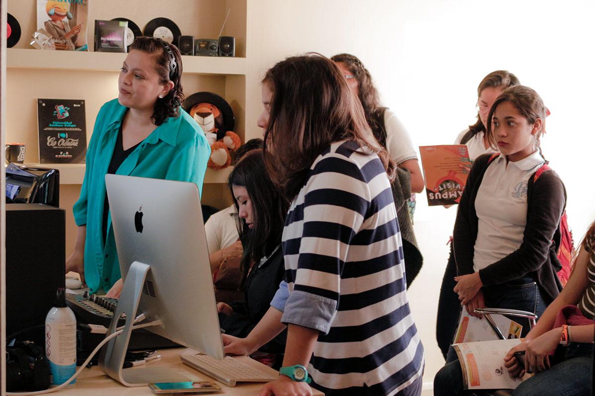 15 / 28 - Los alumnos Anáhuac contagian de entusiasmo el Campus Visit