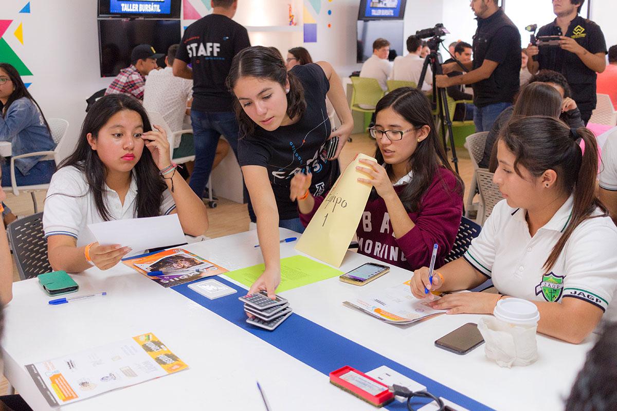 16 / 28 - Los alumnos Anáhuac contagian de entusiasmo el Campus Visit