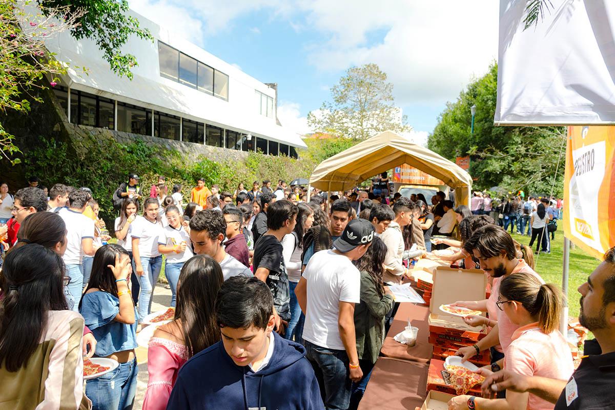 18 / 28 - Los alumnos Anáhuac contagian de entusiasmo el Campus Visit