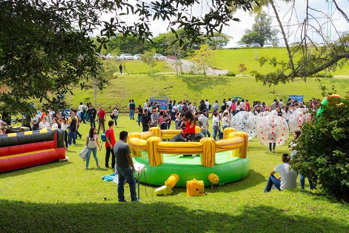 21 / 28 - Los alumnos Anáhuac contagian de entusiasmo el Campus Visit