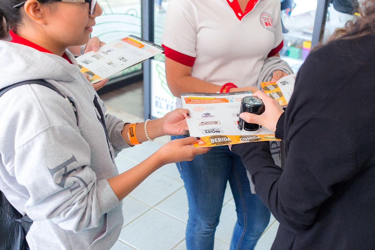 22 / 28 - Los alumnos Anáhuac contagian de entusiasmo el Campus Visit