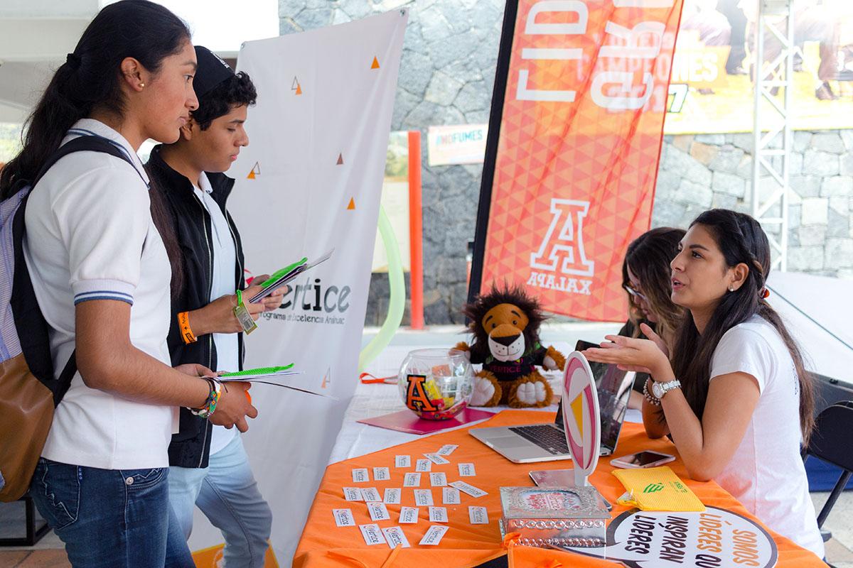 23 / 28 - Los alumnos Anáhuac contagian de entusiasmo el Campus Visit