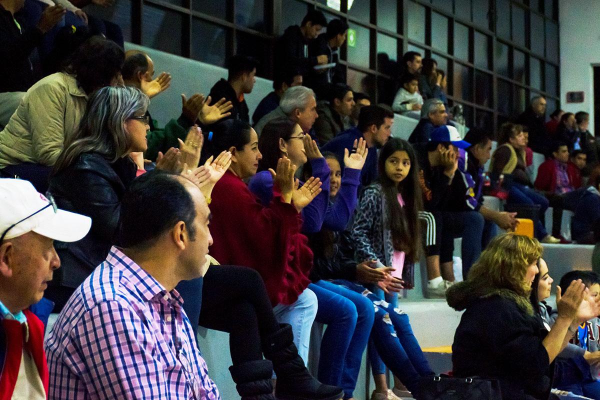 Leones cierran con victoria en abe universidad an huac for Universidades en xalapa