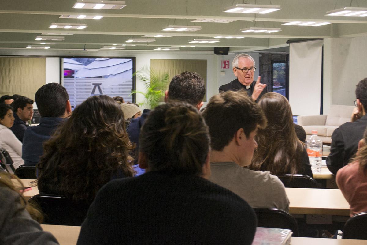 3 / 4 - Conferencias organizadas por Grupo IngeniA