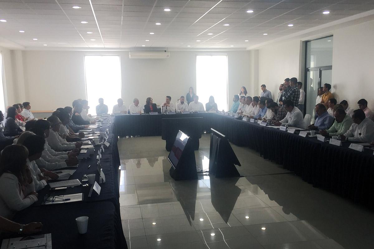 1 / 2 - Anáhuac Xalapa ingresa al Consejo Estatal para la Competitividad de las MiPyMEs