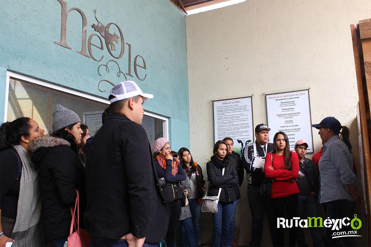 1 / 12 - Alumnos de Economía y Negocios viajaron a Querétaro