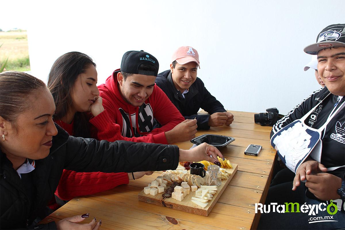 3 / 12 - Alumnos de Economía y Negocios viajaron a Querétaro