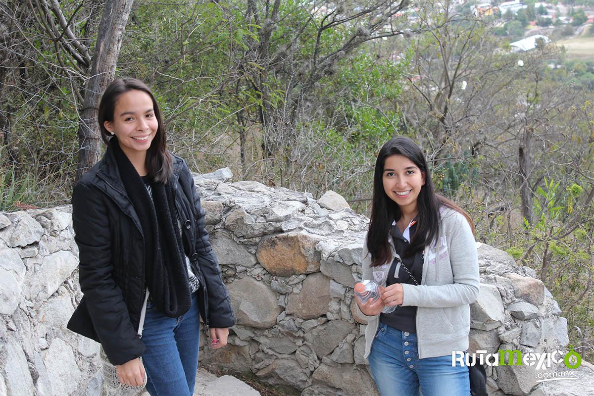 4 / 12 - Alumnos de Economía y Negocios viajaron a Querétaro