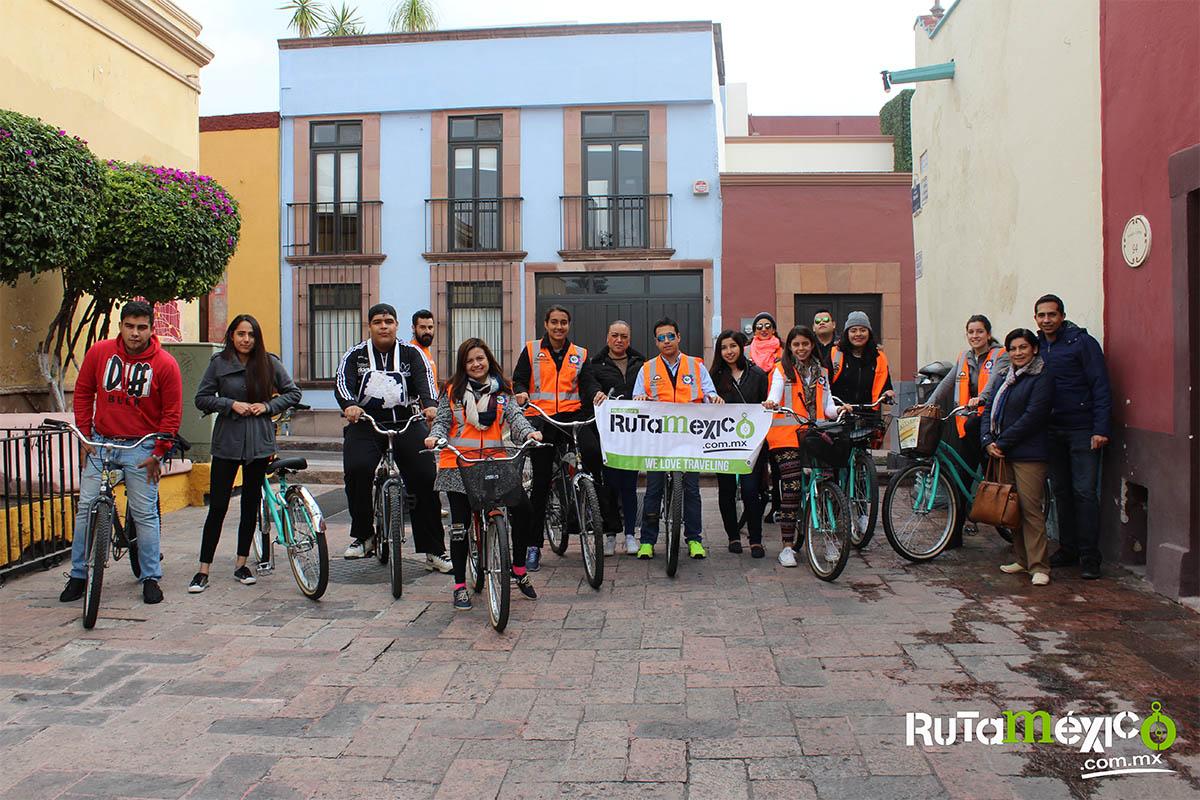 5 / 12 - Alumnos de Economía y Negocios viajaron a Querétaro