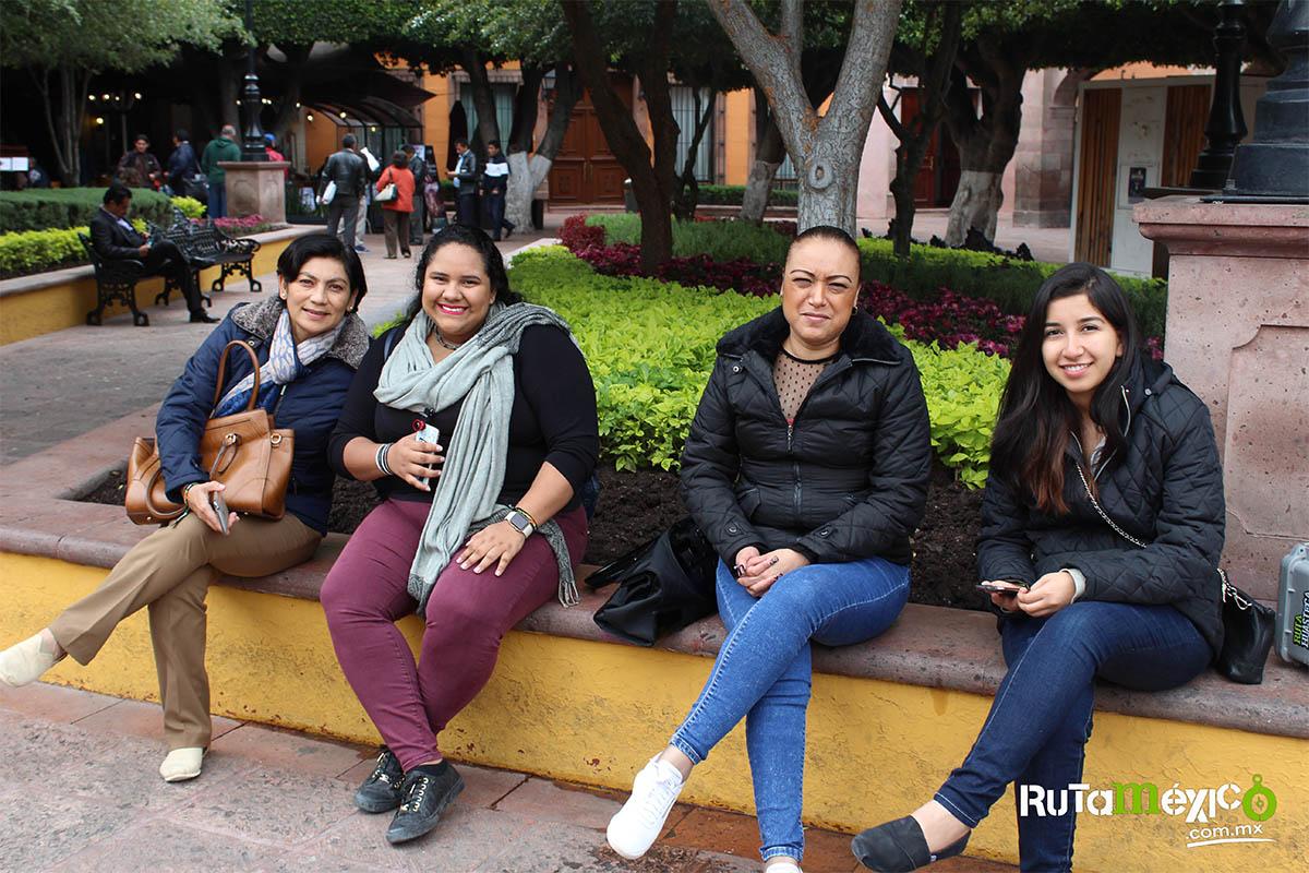 8 / 12 - Alumnos de Economía y Negocios viajaron a Querétaro