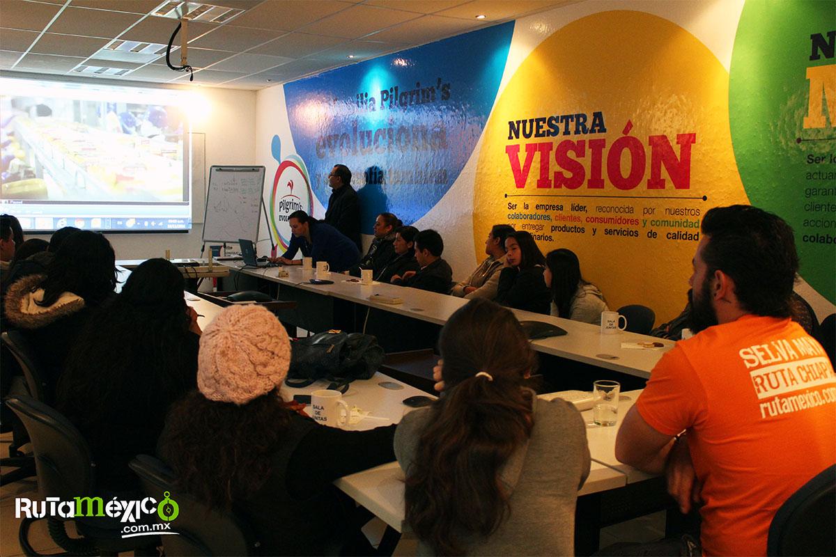10 / 12 - Alumnos de Economía y Negocios viajaron a Querétaro