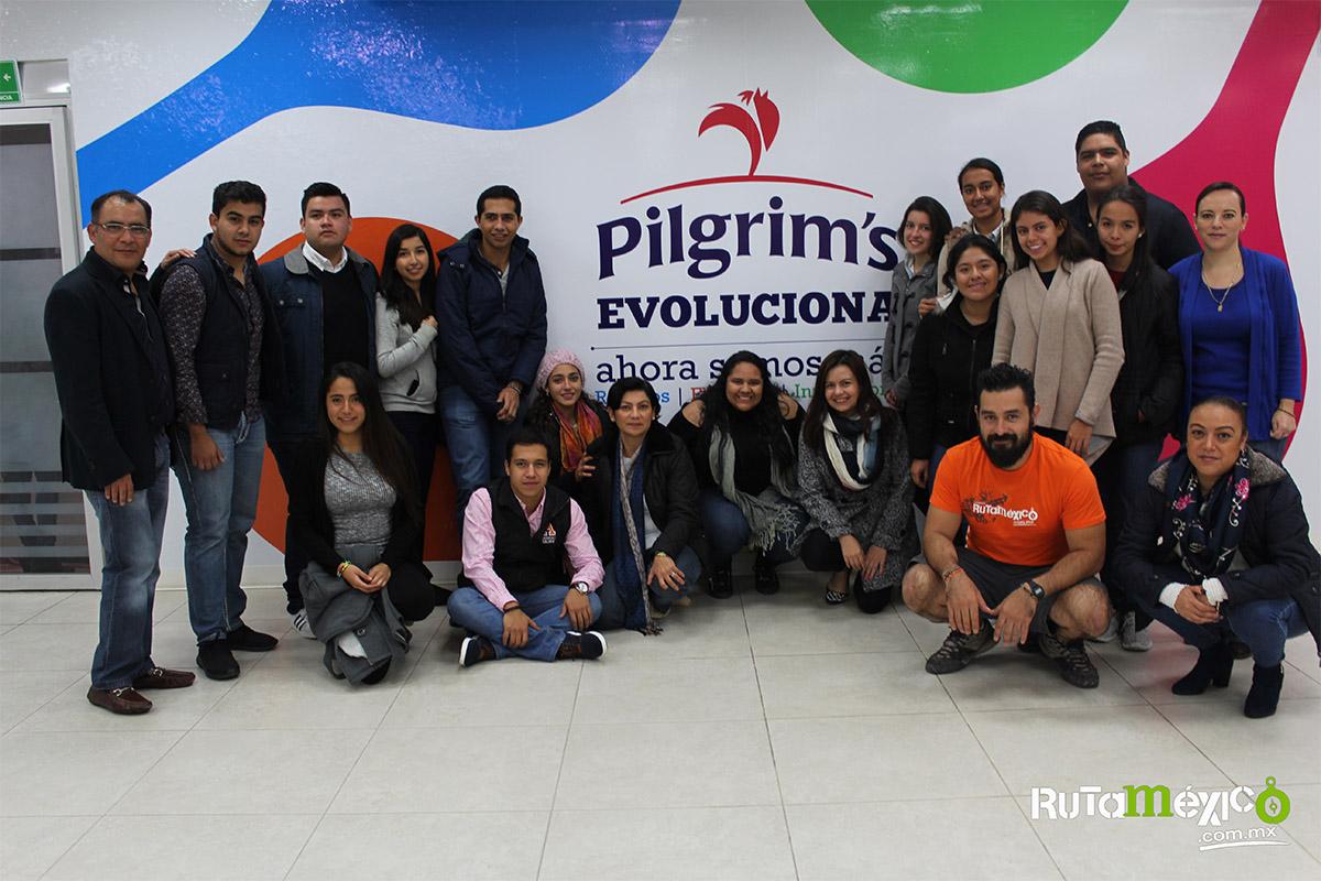 12 / 12 - Alumnos de Economía y Negocios viajaron a Querétaro