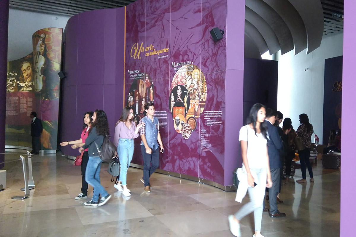 2 / 11 - Arquitectura y Diseño Gráfico visitan el Museo Internacional del Barroco