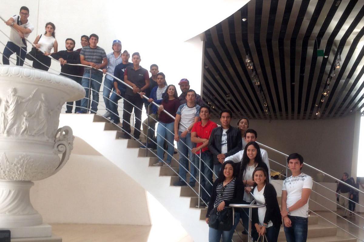 8 / 11 - Arquitectura y Diseño Gráfico visitan el Museo Internacional del Barroco