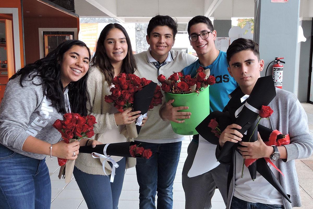 1 / 7 - Grupos Estudiantiles en el Día del Amor y la Amistad