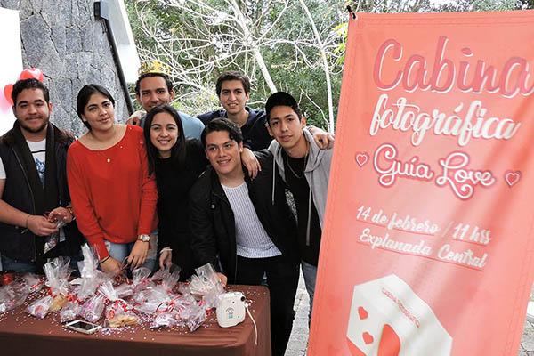 Grupos Estudiantiles en el Día del Amor y la Amistad