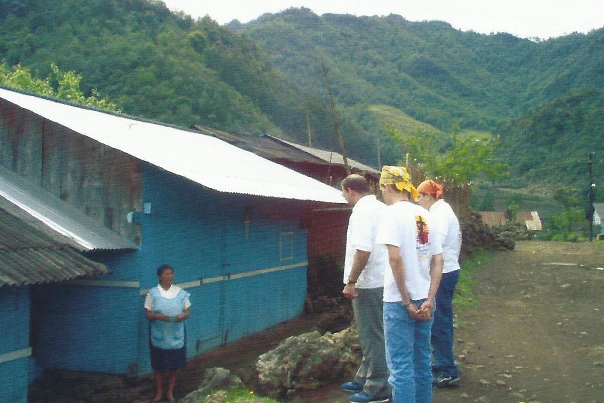 15 / 17 - - P. Vito con Juventud Misionera en Ixhuacán de los Reyes.