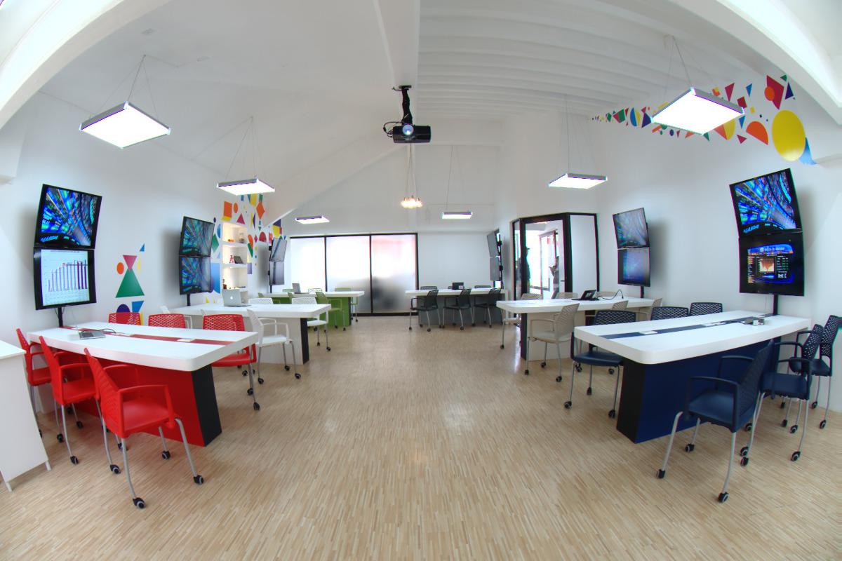 3 / 8 - Management & Innovation Center
