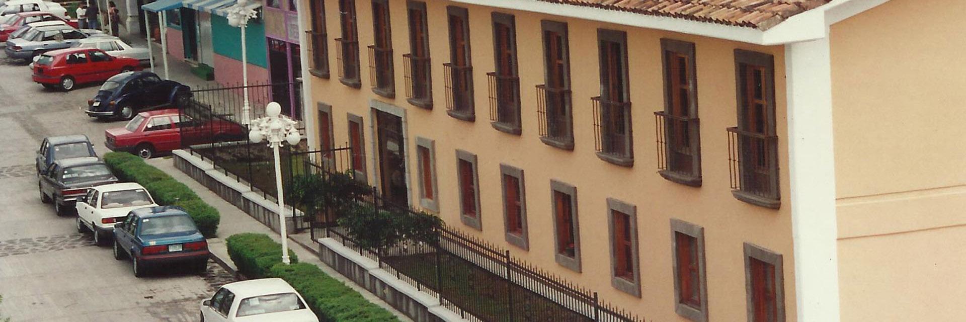 1993 / Primer Campus.