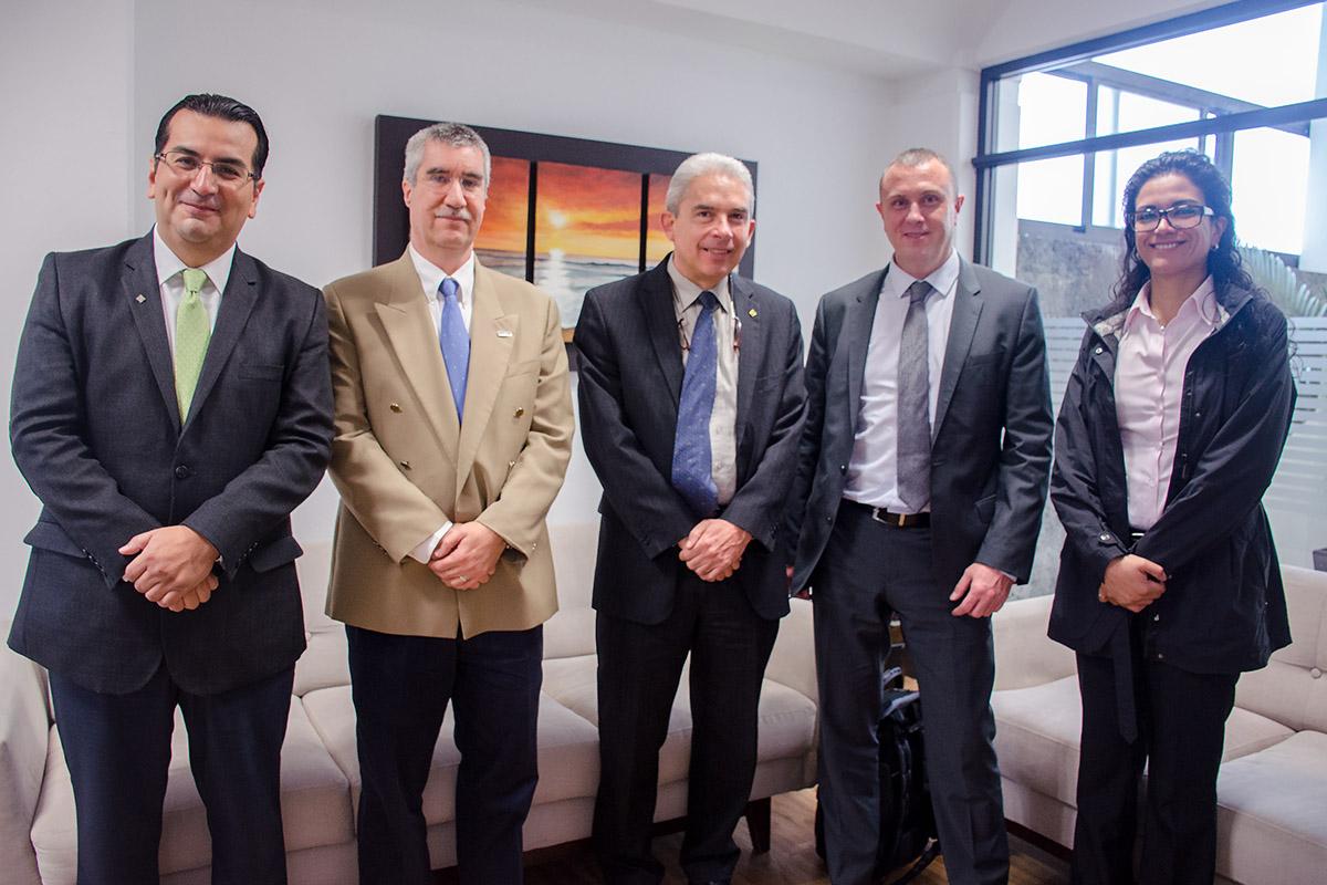 2 / 6 - Visita del Departamento de Comercio Internacional del Reino Unido
