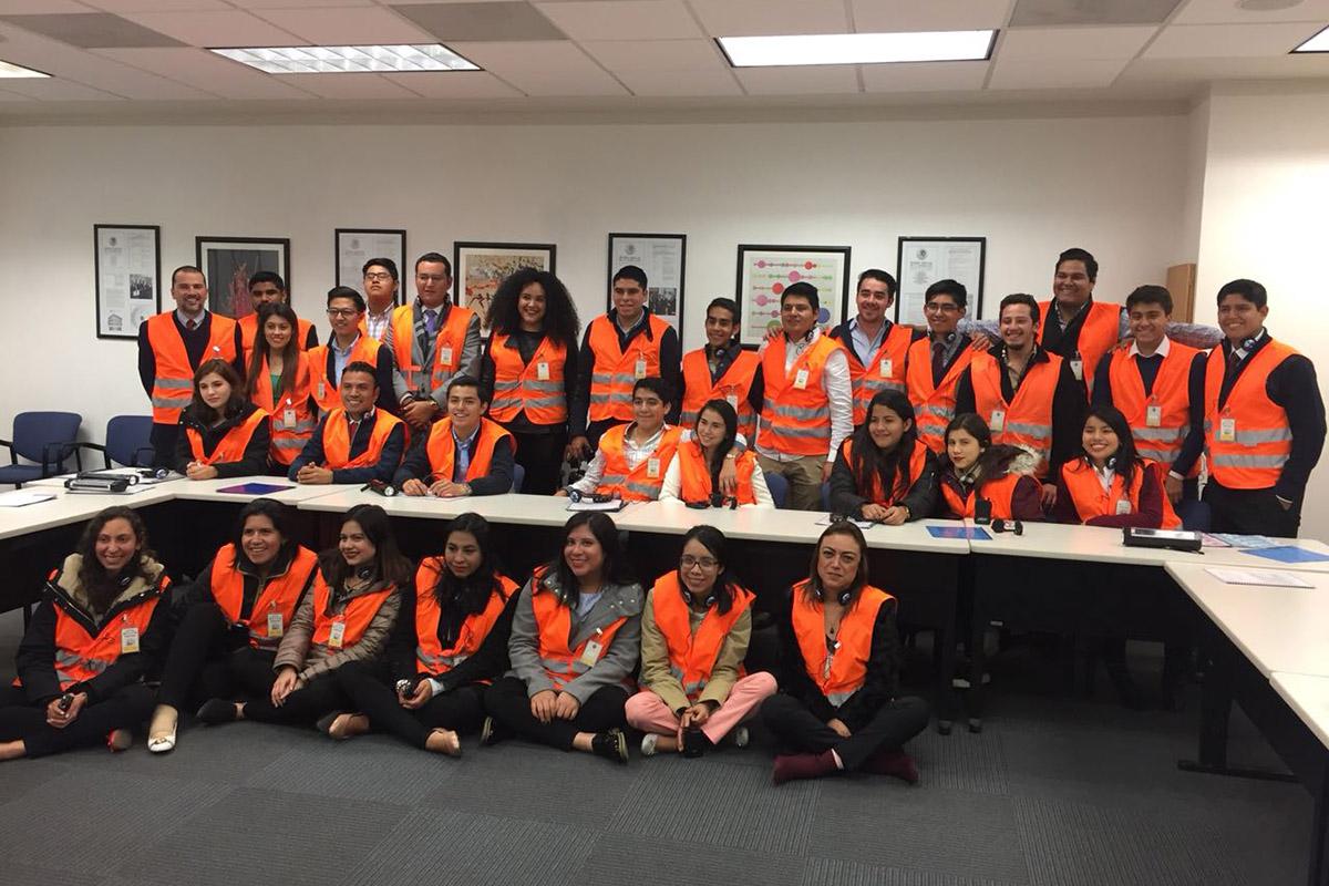 3 / 5 - Exitosa visita de Alumnos de Finanzas a la Ciudad de México