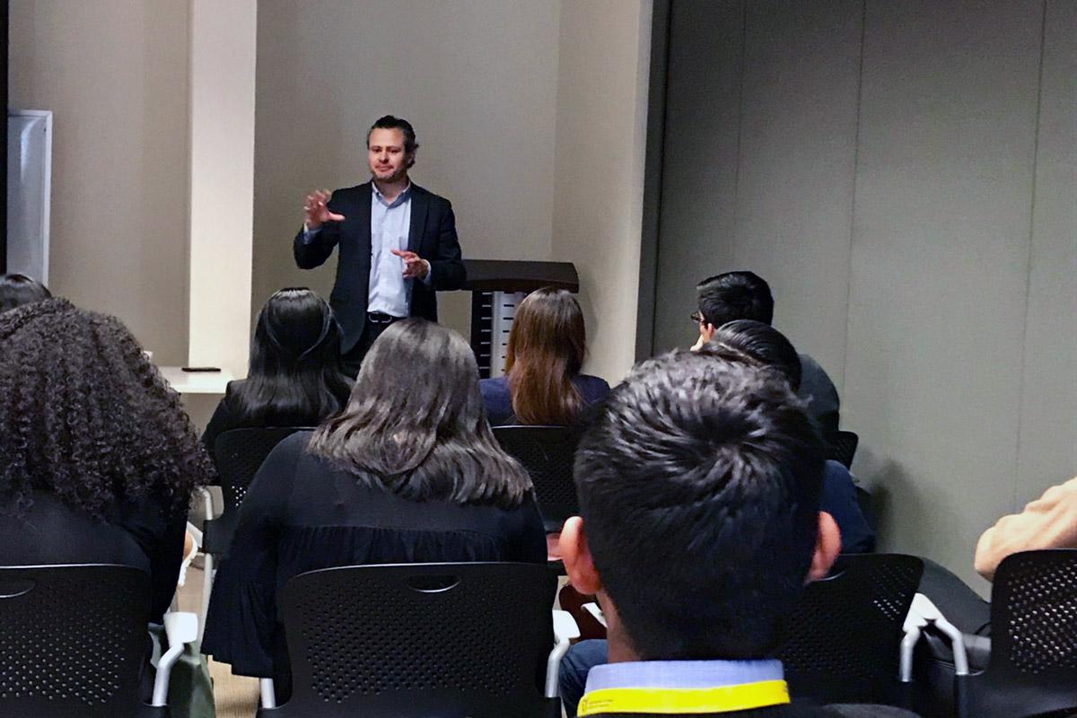 4 / 5 - Exitosa visita de Alumnos de Finanzas a la Ciudad de México