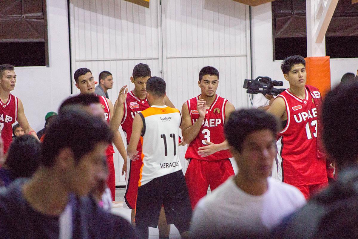 7 / 8 - Debut en Primera División de la Liga ABE