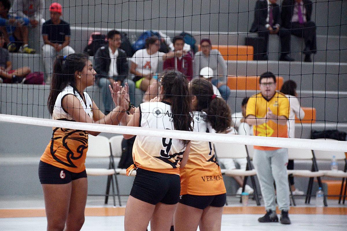 2 / 4 - Inicia la actividad en Voleibol Anáhuac