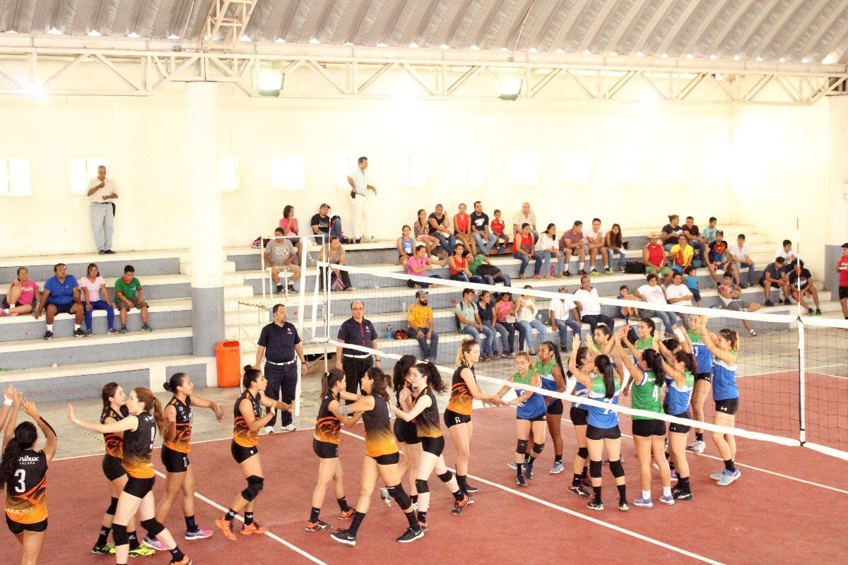 4 / 8 - Leonas Campeonas de Torneo del Club Rotario