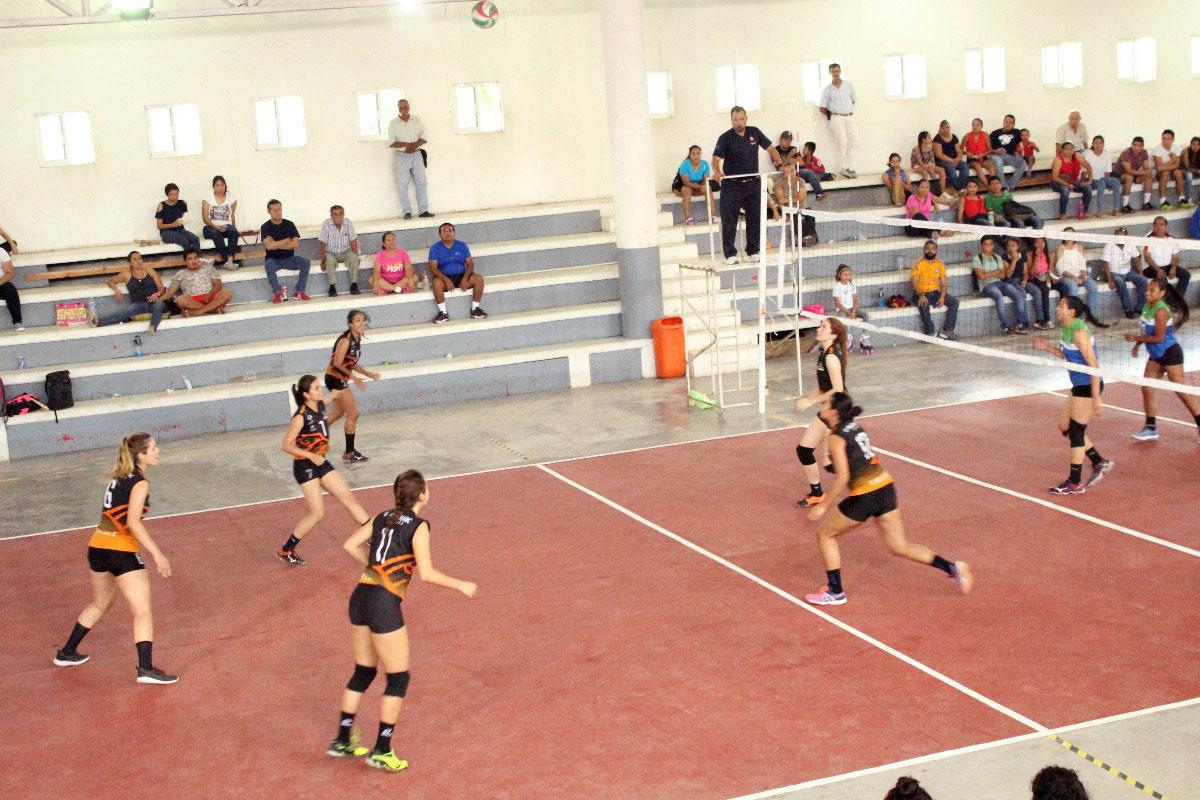 6 / 8 - Leonas Campeonas de Torneo del Club Rotario