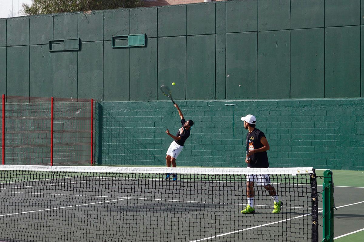 2 / 8 - Representativo de Tenis en la Primera Etapa CONADEIP