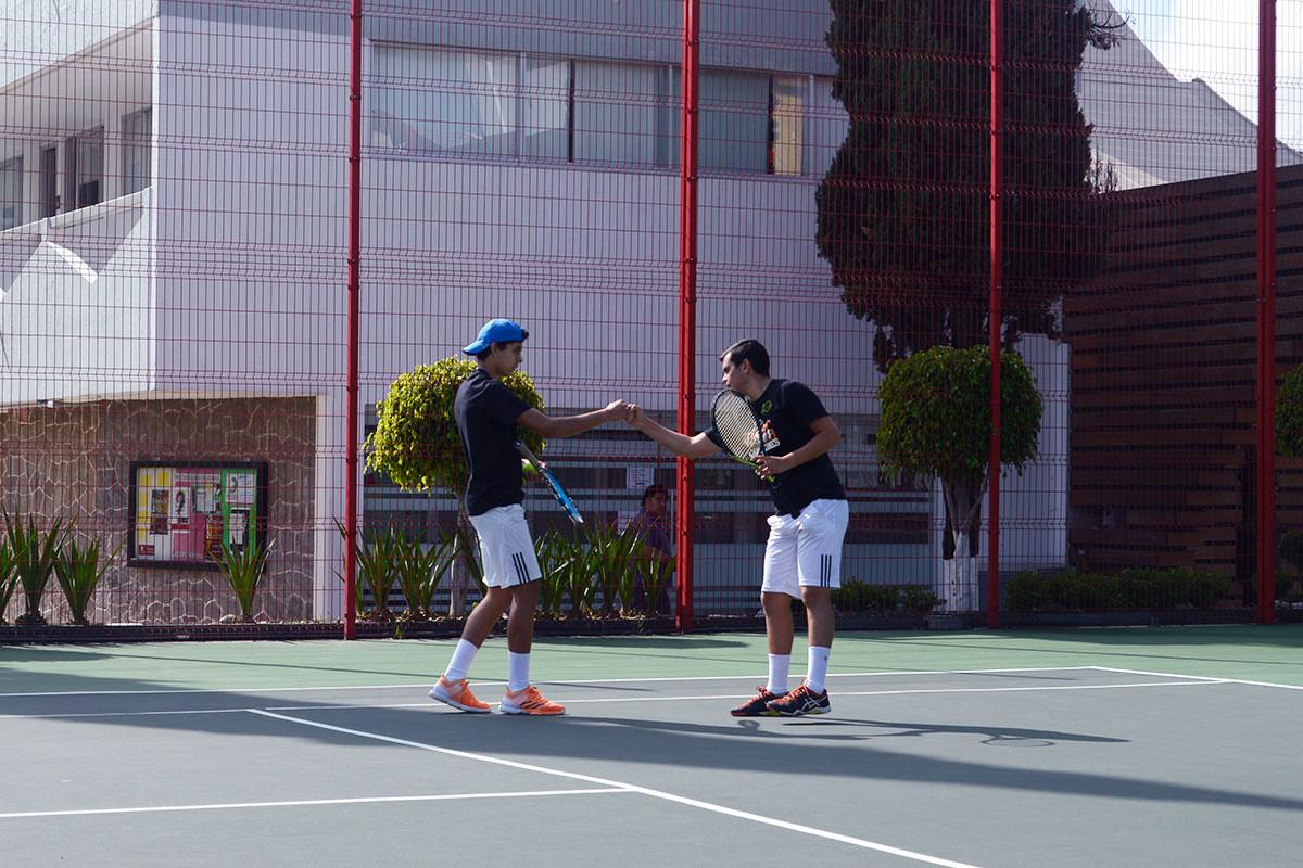3 / 8 - Representativo de Tenis en la Primera Etapa CONADEIP