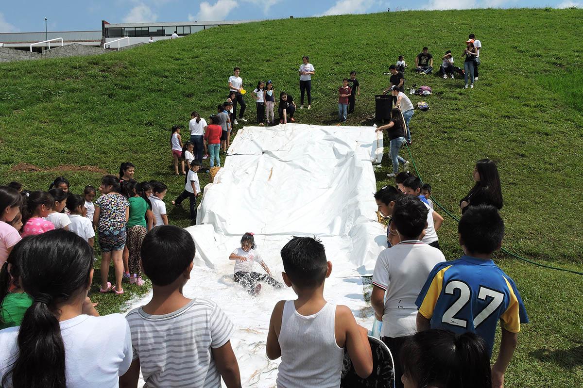 16 / 19 - Celebrando el Día del Niño en la Anáhuac