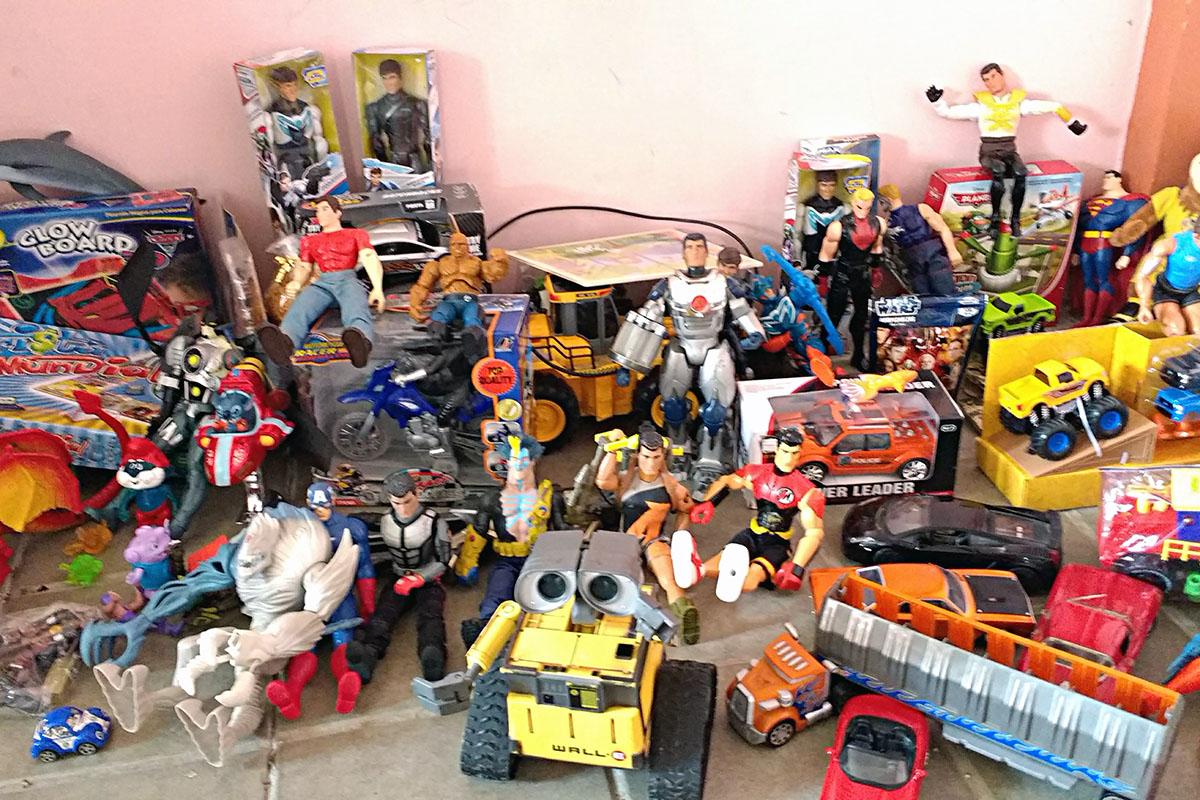 1 / 20 - Entrega de juguetes en la comunidad de Ayahualulco