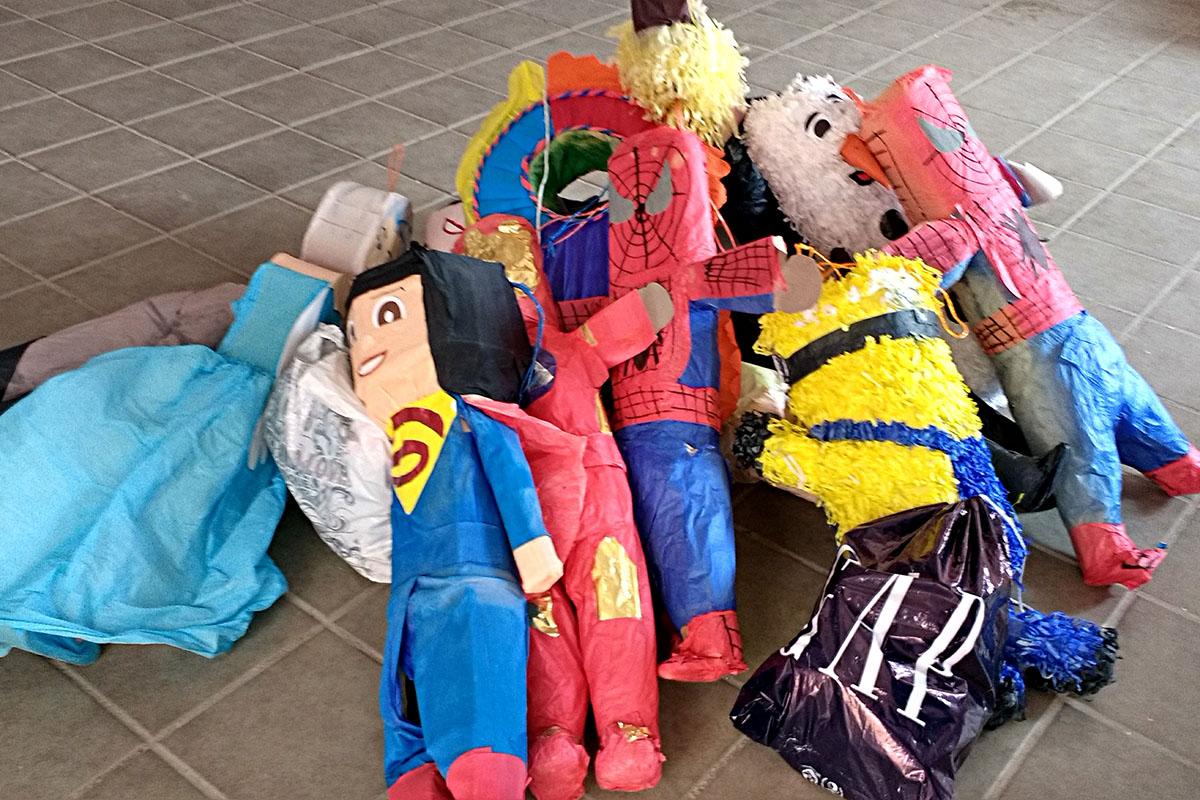 5 / 20 - Entrega de juguetes en la comunidad de Ayahualulco