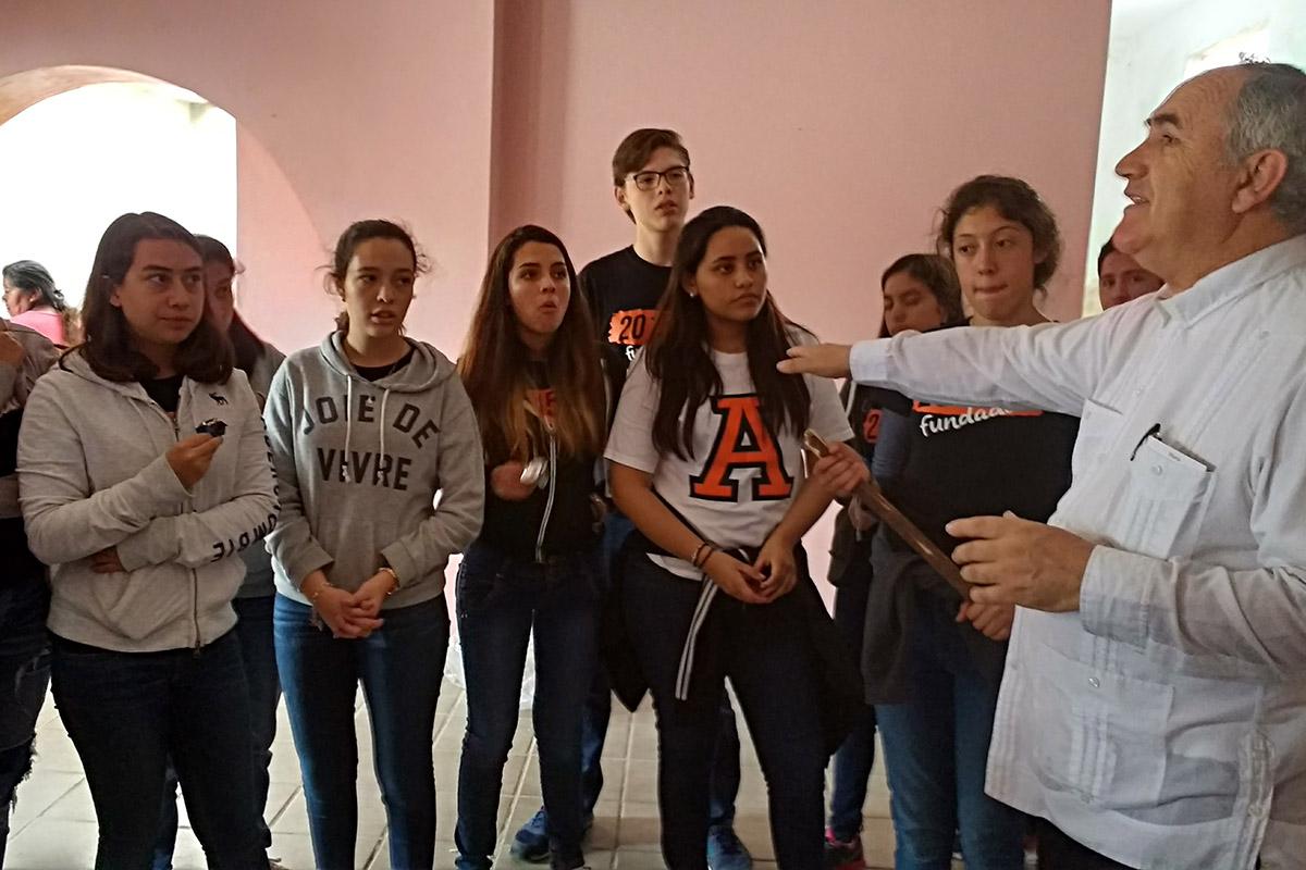 19 / 20 - Entrega de juguetes en la comunidad de Ayahualulco