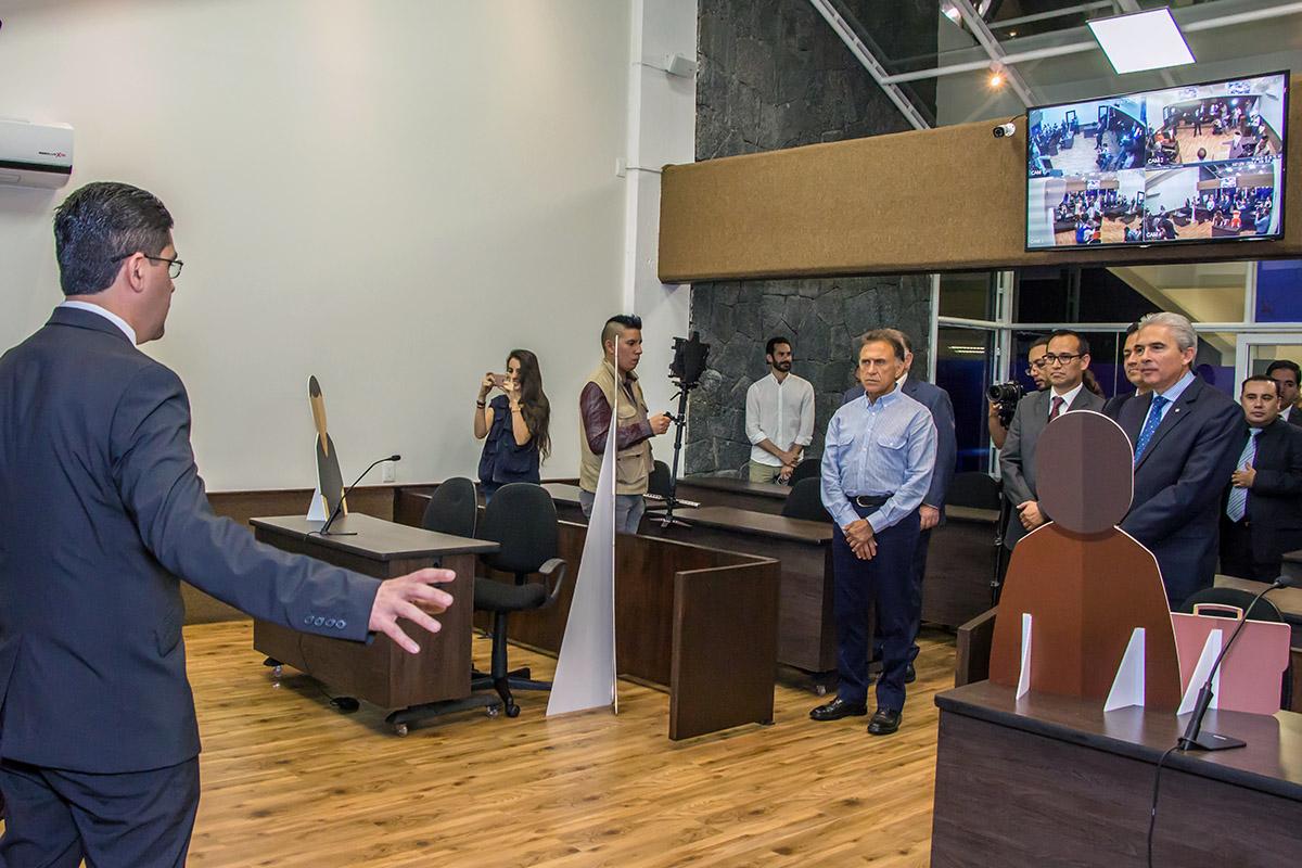 10 / 13 - Inauguración de la Sala de Juicios Orales Francisco de Vitoria