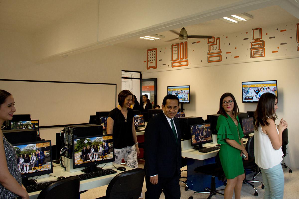 12 / 15 - Patronato de la UAX inaugura Laboratorios de Bachillerato Anáhuac