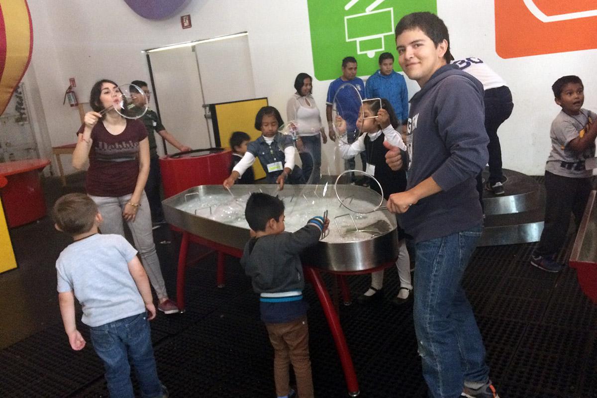 4 / 8 - Soñar Despierto y ASUA festejan a más de 250 niños en su día