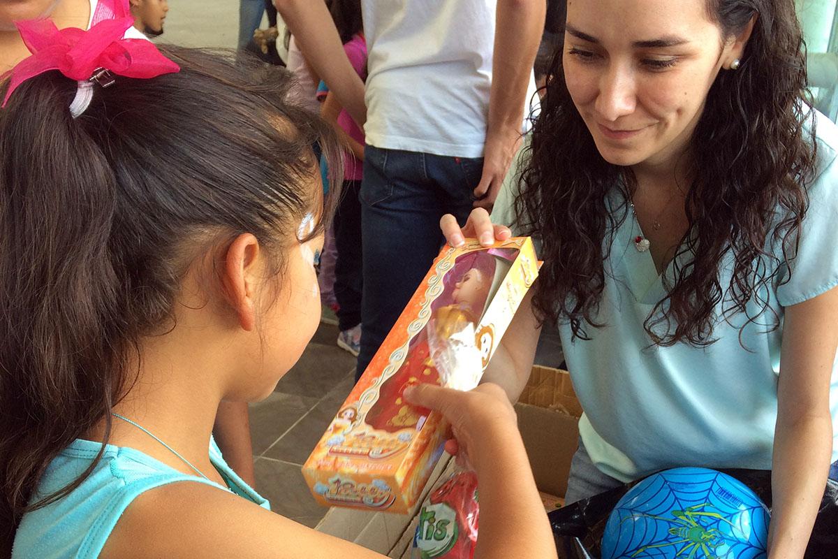 5 / 8 - Soñar Despierto y ASUA festejan a más de 250 niños en su día