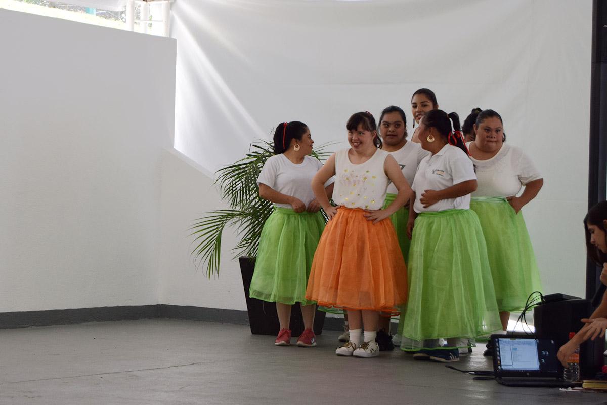 6 / 16 - Visita del Instituto Down de Xalapa