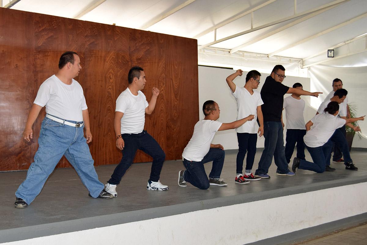 10 / 16 - Visita del Instituto Down de Xalapa