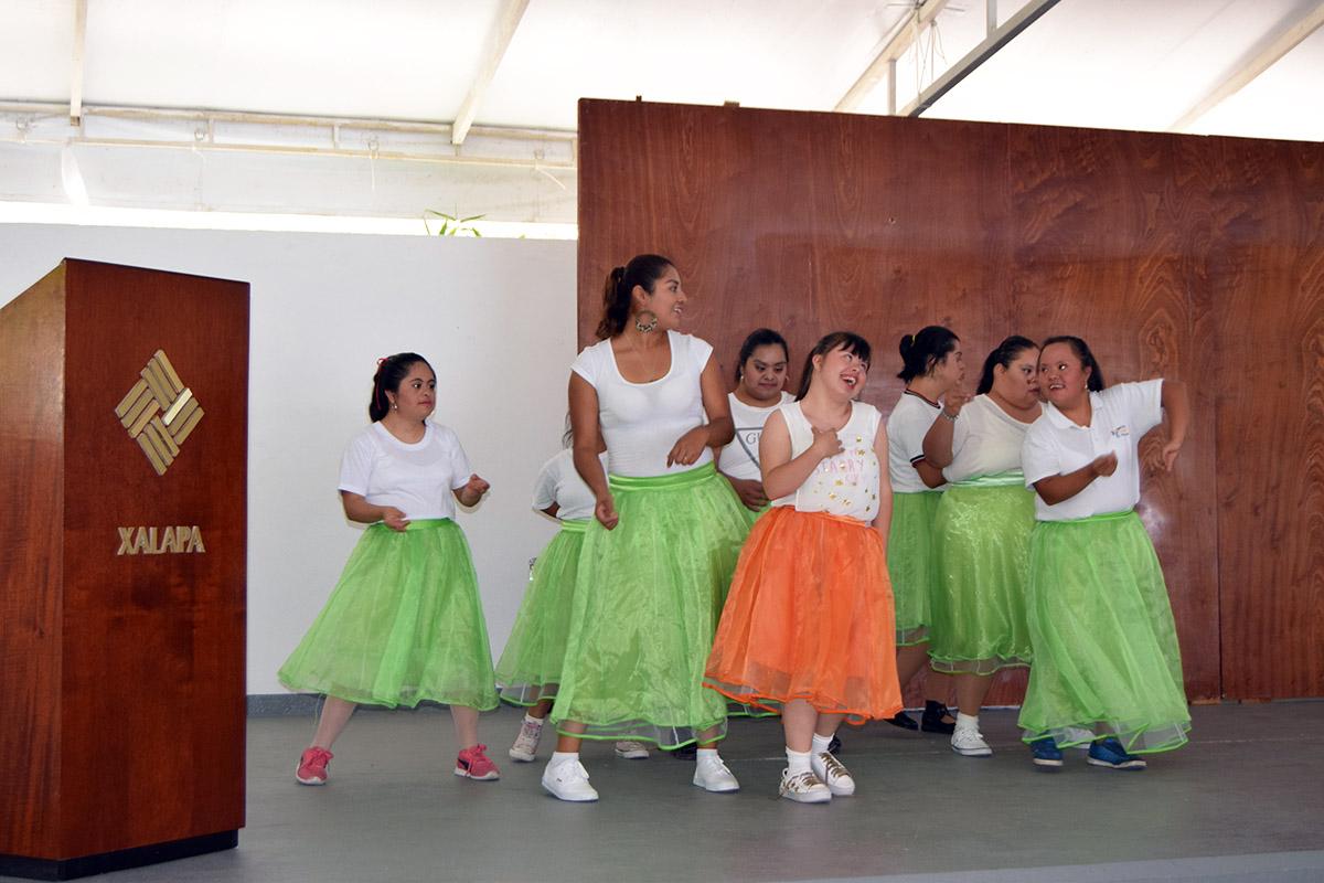 11 / 16 - Visita del Instituto Down de Xalapa