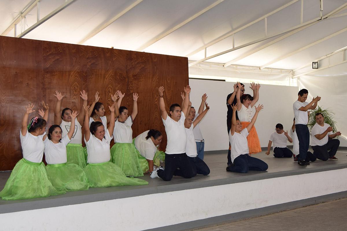 12 / 16 - Visita del Instituto Down de Xalapa
