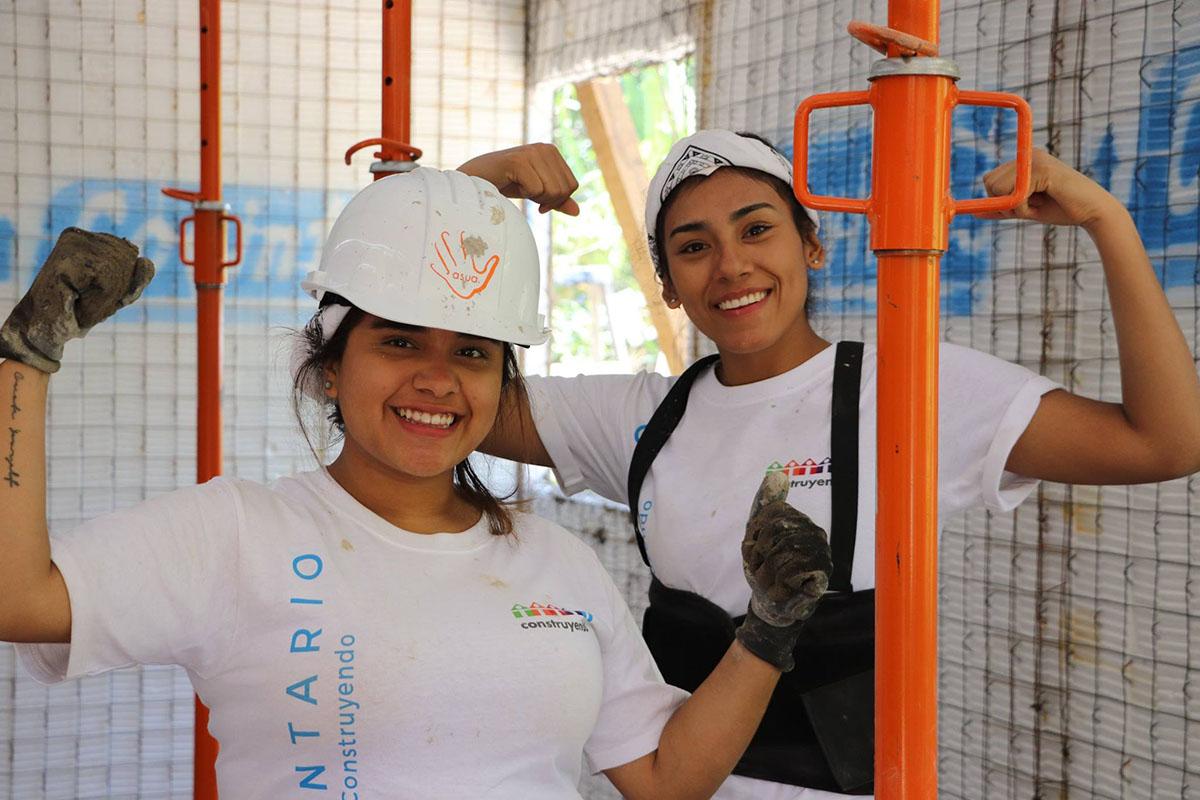 2 / 10 - ASUA Construye entrega casas en San Antonio Alpanocan