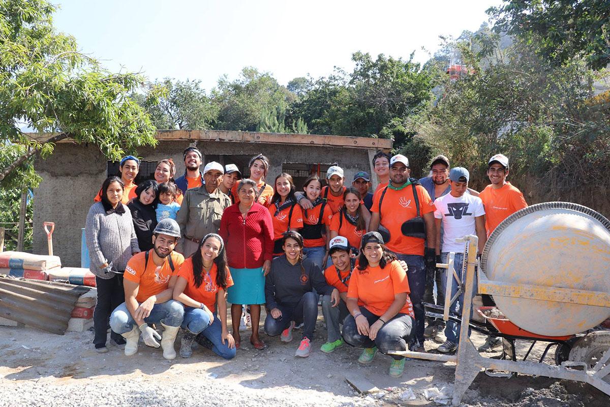 3 / 10 - ASUA Construye entrega casas en San Antonio Alpanocan